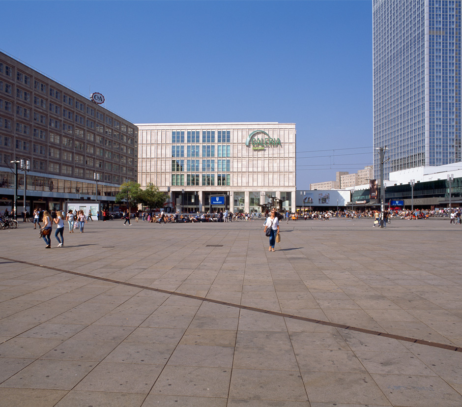 alexanderplatz berlin. Black Bedroom Furniture Sets. Home Design Ideas