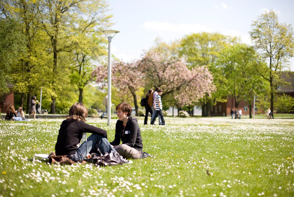 WES-Jacobs-University-Bremen-07-Campus-Fruehling-Foto-Jacobs-University-Bremen