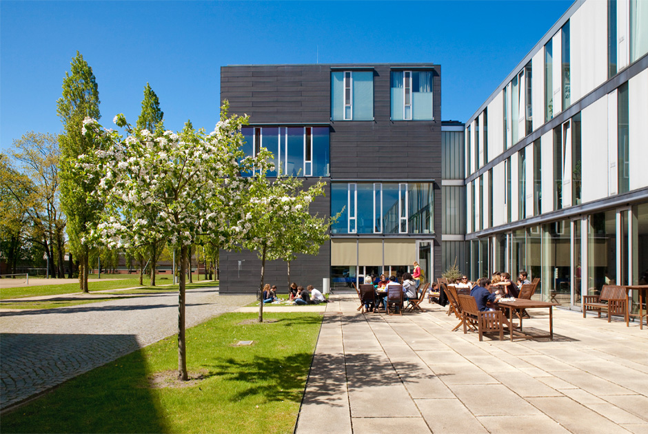 WES-Jacobs-University-Bremen-08-Campus-Fruehling-Foto-Jacobs-University-Bremen